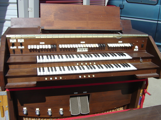Good Used Schober Console